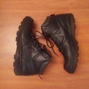 Men Nike Boots Size 13 Black